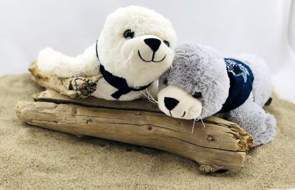 Plüsch-Seehund Flapsch weiß mit Sylt-Halstuch (Robbe, Kuscheltier, Plüschtier)
